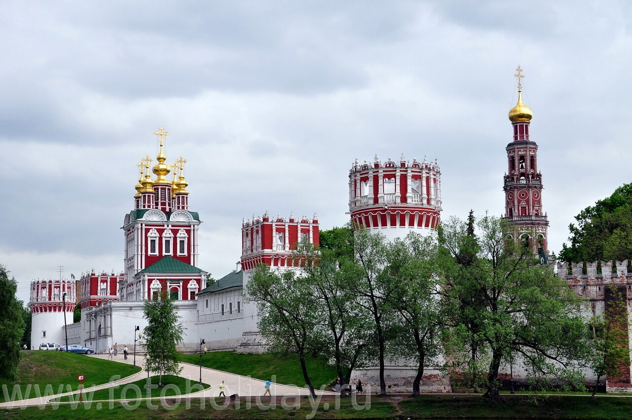 Макет монастыря